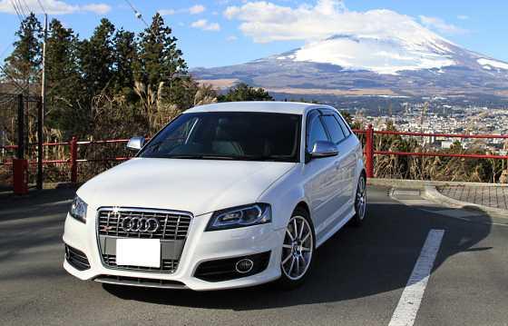 car's photo